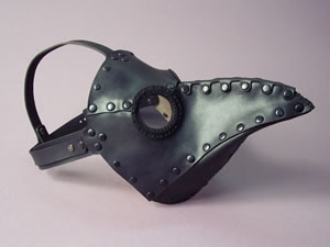 Tom Banwell's fantastic plague doctor mask